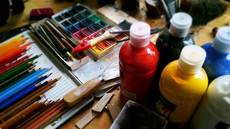 image of art supplies and materials